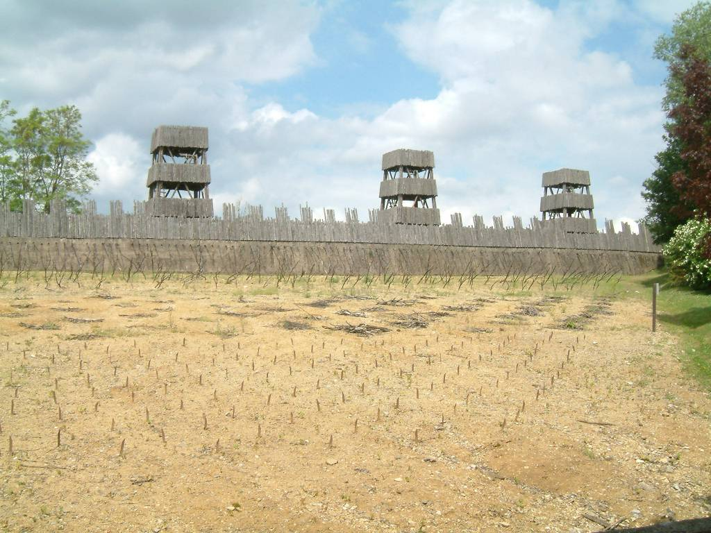 Reconstruction of Roman Fortifications at Alesia_tldrhistory
